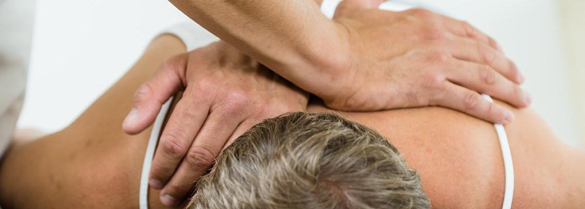 Osteopathie - manuelle Beseitigung von Bewegungsverlusten und Blockaden